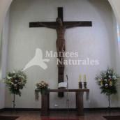 Pedestales y Arreglo Sobre Altar